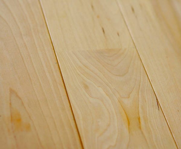 無垢床材フローリング カバに決定。種類グレード1階と2階で変える