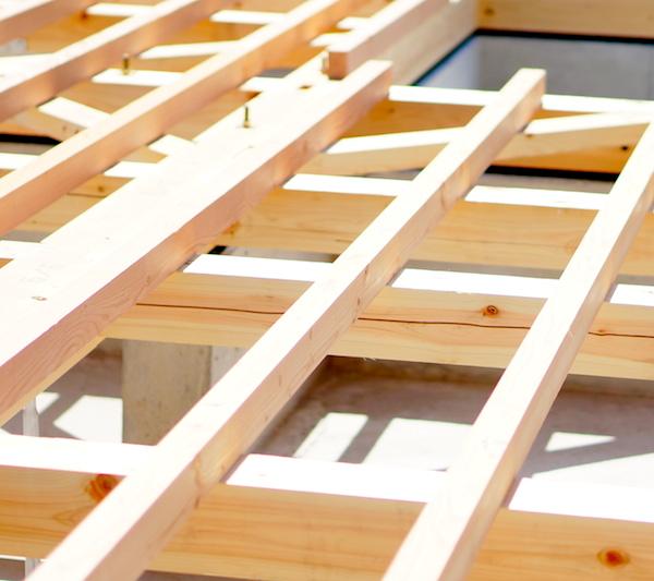 棟上げ当日は雨予報…。木造の上棟は雨でも影響がない?