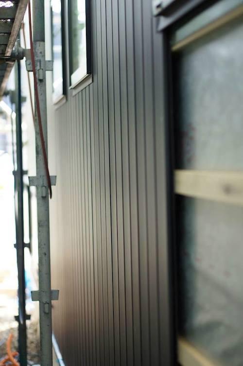 ガルバリウム外壁いぶし銀