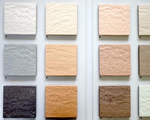 玄関タイルの色は「白」に。決め手となった写真とは。