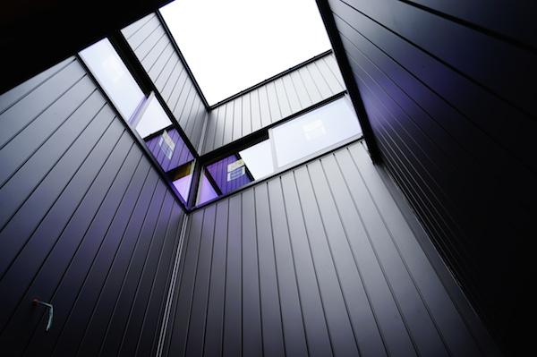 ガルバリウム外壁テラス