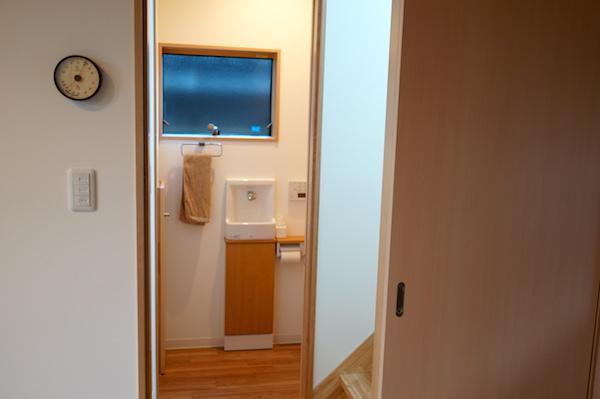 WEB内覧会トイレ入り口