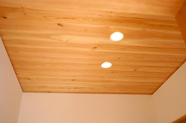 玄関天井羽目板