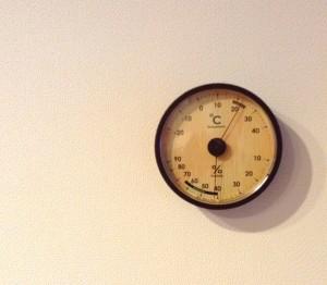 温湿度計は精度が高いおしゃれなデザインのアナログ式!