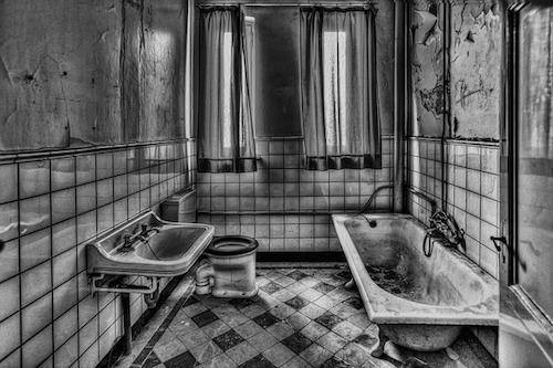 床の黒ずみ浴室