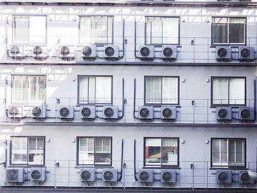 エアコン冷えない原因は室外機?効かない動かないのには理由ある