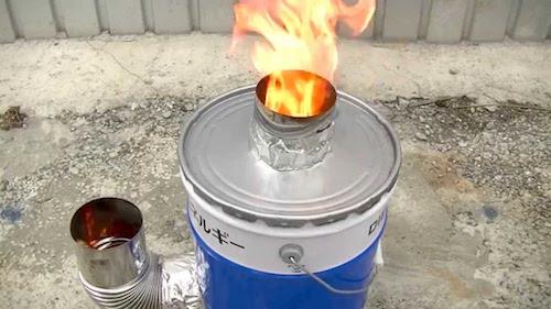 ロケットストーブの原理。一斗缶で自作できる?レンガ式の作り方