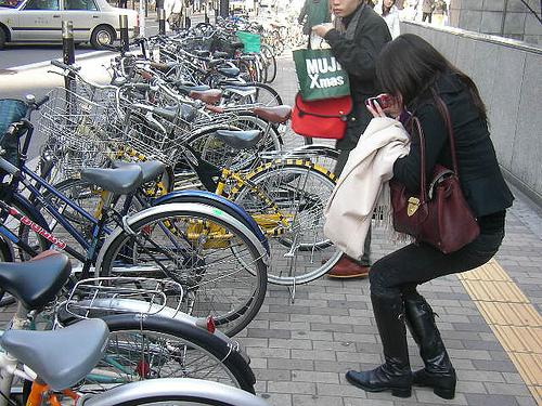 自転車 傘さし運転は交通違反!罰金いくら?固定ホルダーなら良いの?