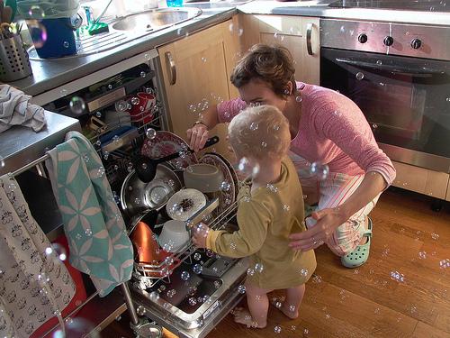 食洗機は電気代と水道代は高い?節約する方法とは