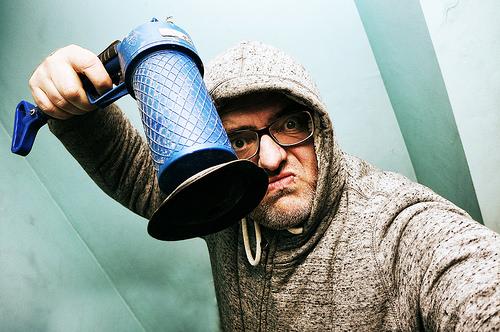 台所の排水溝つまりで臭いキツい!解消法はやっぱり重曹が効く!