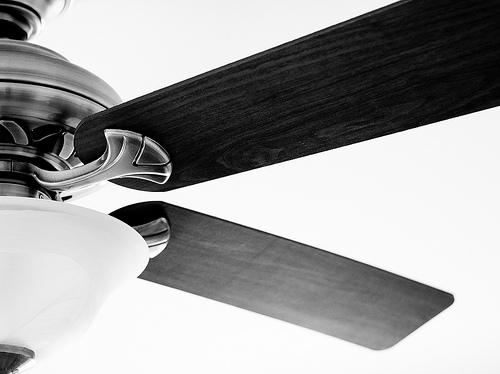 シーリングファンって効果ある!?吹き抜けに必須?電気代と天井の高さについて